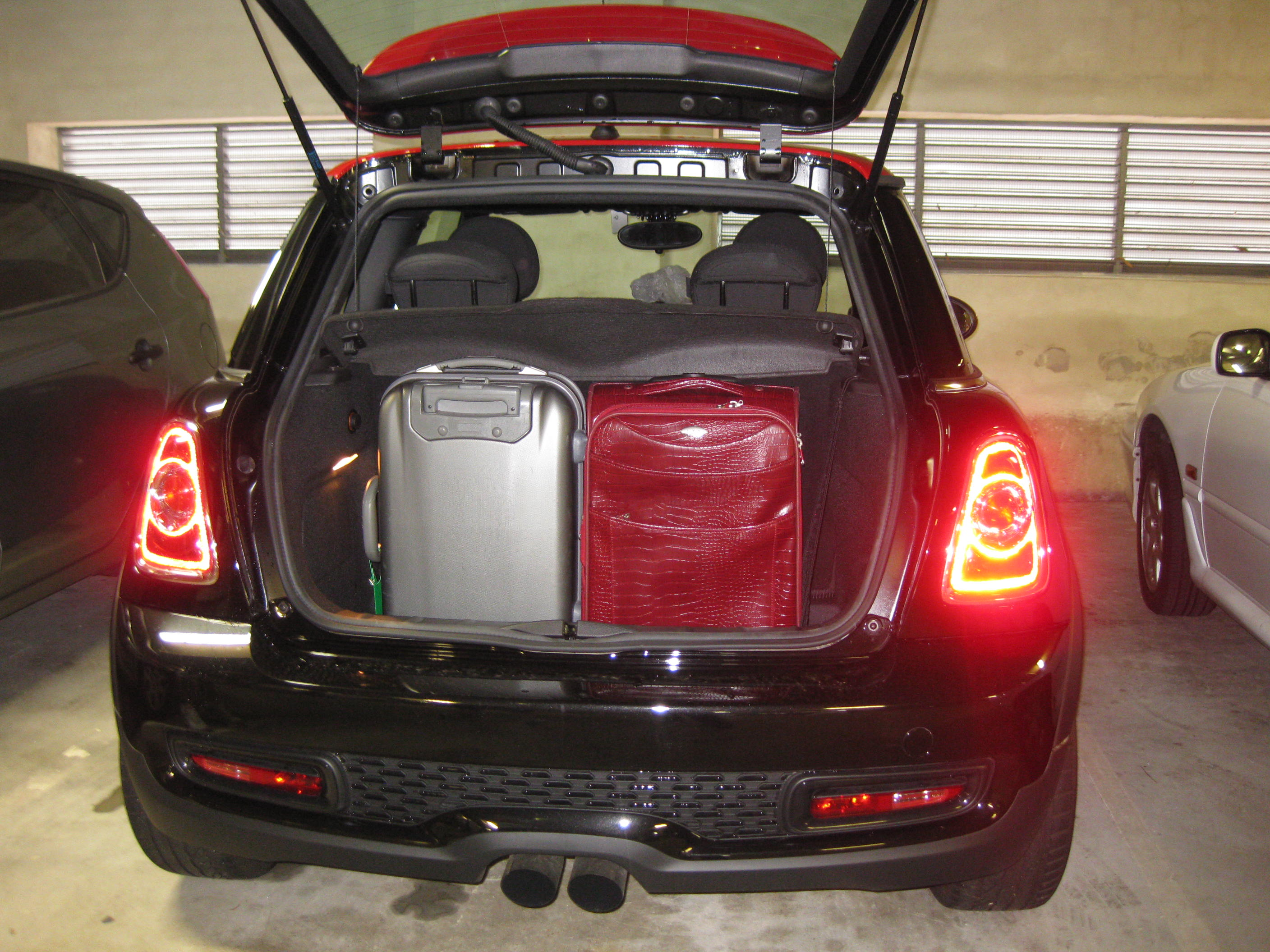 2 bags test mini jcw2 Crystal Klein Celebrity Picture Gallery