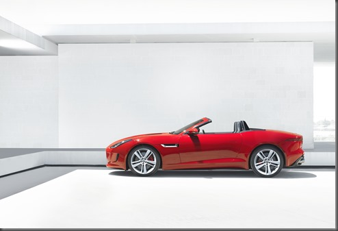 Jaguar F-TYPE_HOUSE_V8_1 (2)