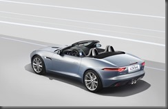 Jaguar F-TYPE_STUDIO_V6_1 (7)
