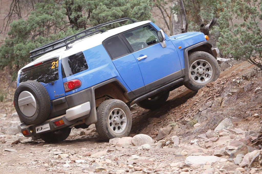 Charming Jeep Wrangler Special Ops VS Toyota FJ Cruiser