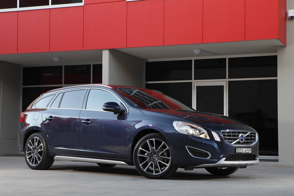 volvo v60 plug in hybrid a finalist for the world green car of the year gaycarboys com. Black Bedroom Furniture Sets. Home Design Ideas