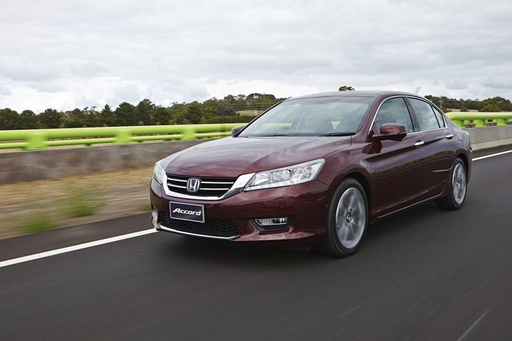 Accord euro model year 2014 for Honda accord base model