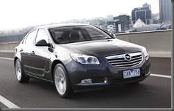 INSIGNIA Select Sedan trking fnt 3 qrt