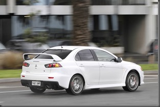 Mitsubishi Lancer Evolution MR 2014 (2)