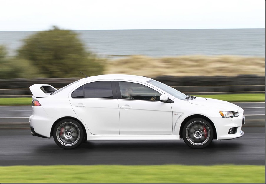 Mitsubishi Lancer Evolution MR 2014 (3)