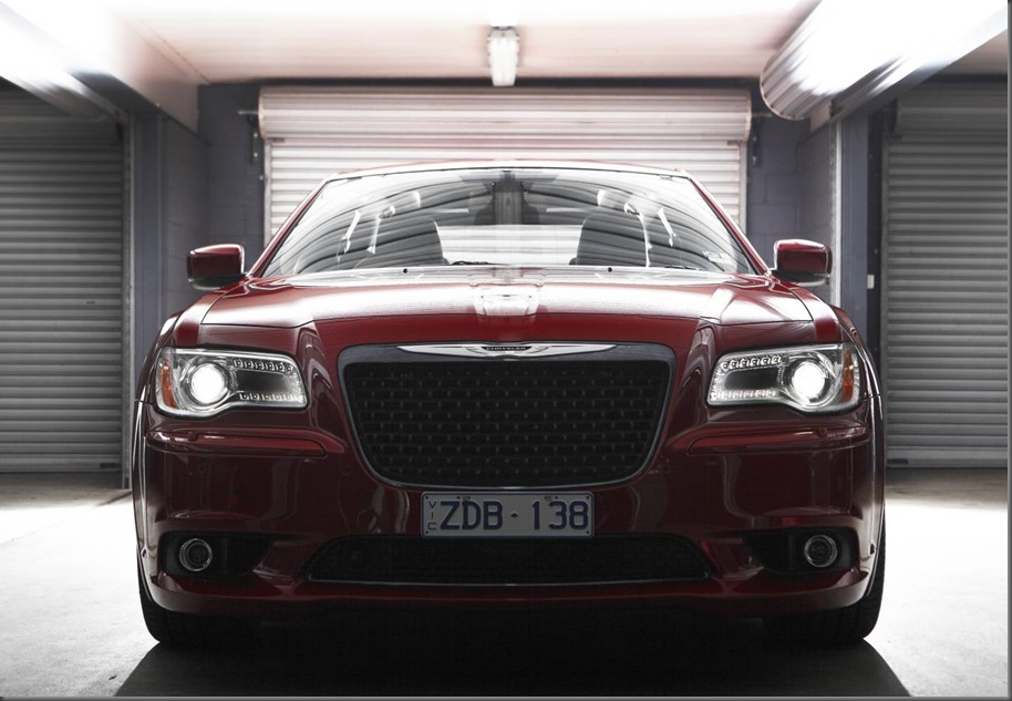Chrysler 300 SRT 8 (1)