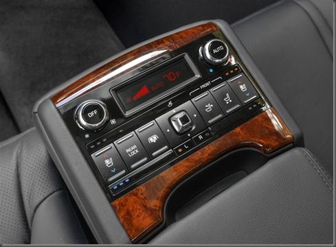 k900  rear seat controls