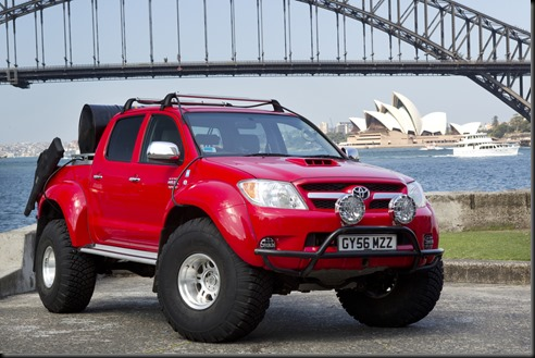 "Toyota ""fire and ice"" HiLux"