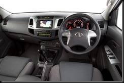 2011 Toyota HiLux SR5 4x4 manual interior