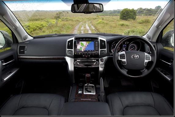 Toyota LandCruiser GXL 200 series 2013 (14)