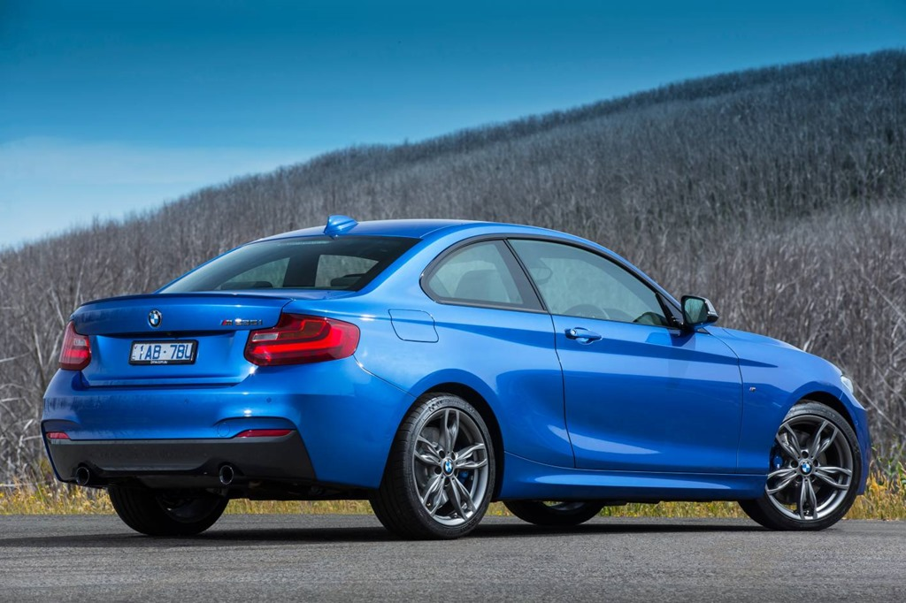 BMW Mi The Goldilocks Car Not Too Hot Not Too Cold Just - Bmw 235 price