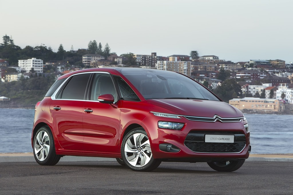 first drive citro n launches their snazzy c4 picasso. Black Bedroom Furniture Sets. Home Design Ideas