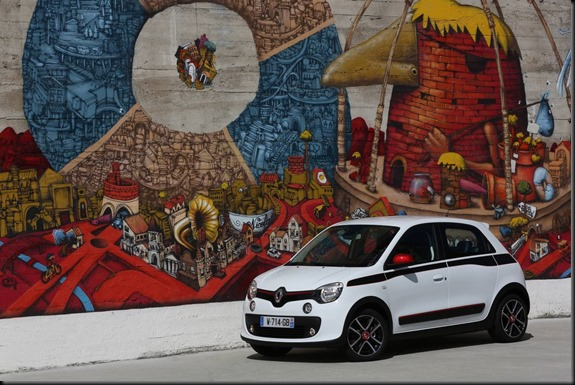 Twingo named 2015 'Design of the Year' gaycarboys (1)