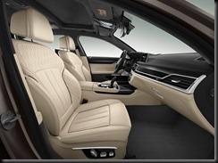 BMW M760Li xDrive (2)