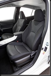 2016 Toyota Prius front seats