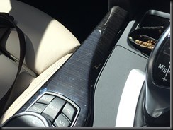 BMW 430i GranCoupe centre console scratched woodgrain (2)