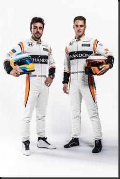 Fernando-Alonso-&-Stoffel-Vandoorne-2017