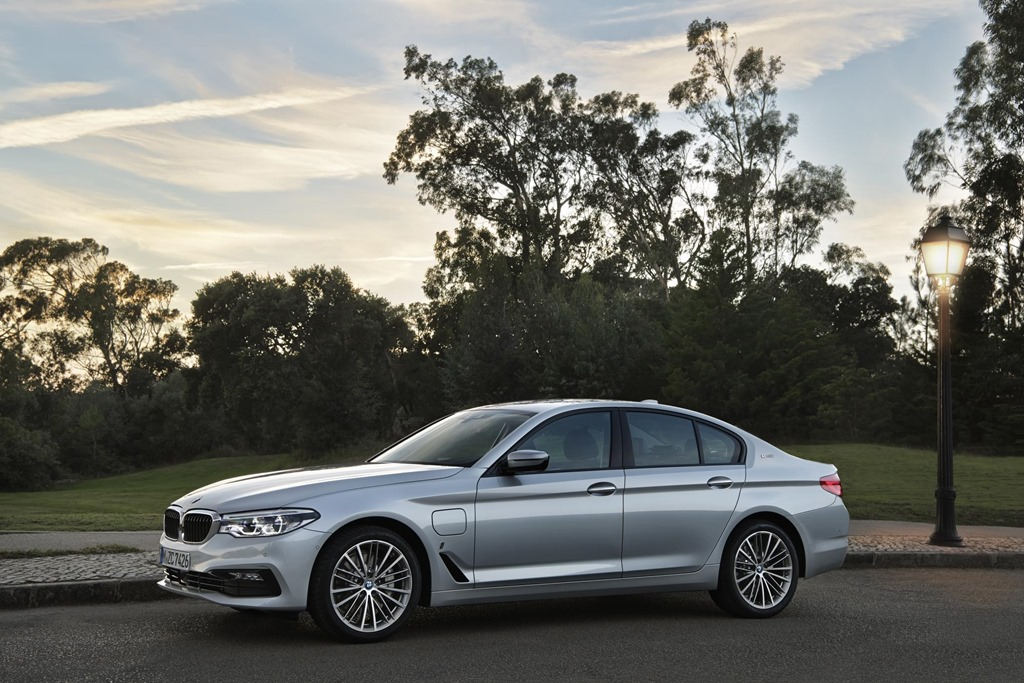New York Motor Show: BMW shows iPERFORMANCE plug-in hybrid