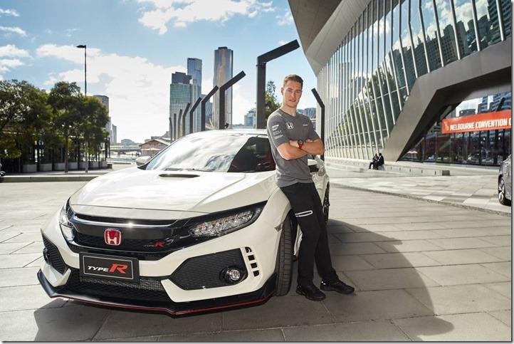 F1 Driver Stoffel Vandoorne and Honda Civic Type R inAustralia