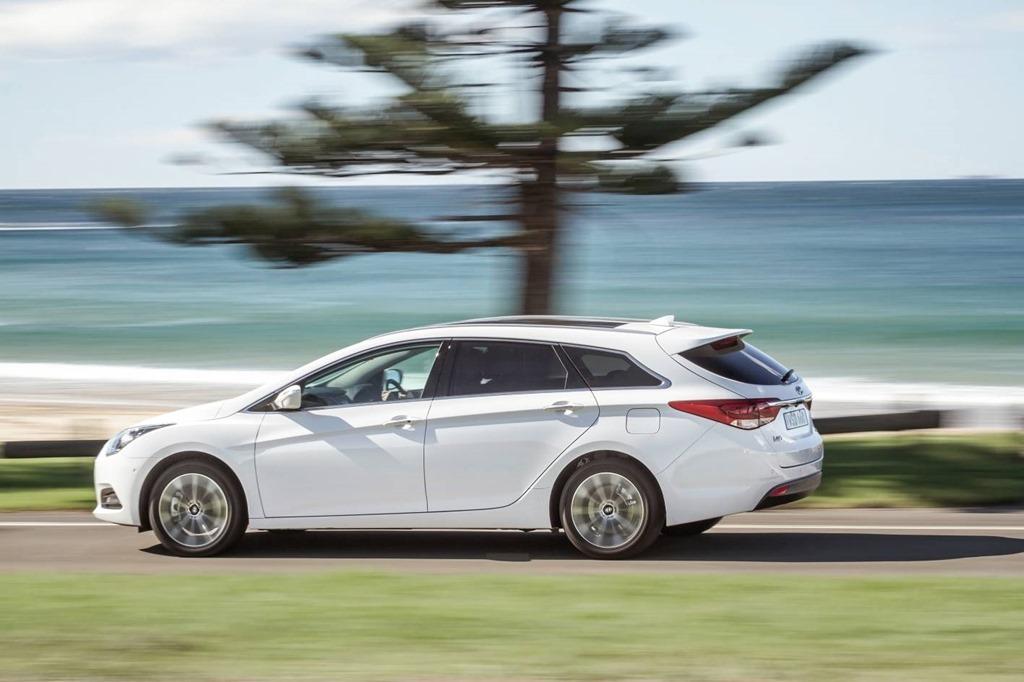 Hyundai i40 wagon: feature packed pocket friendlytransport
