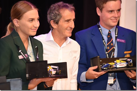 Renault and Alain Prost congratulate students on world record