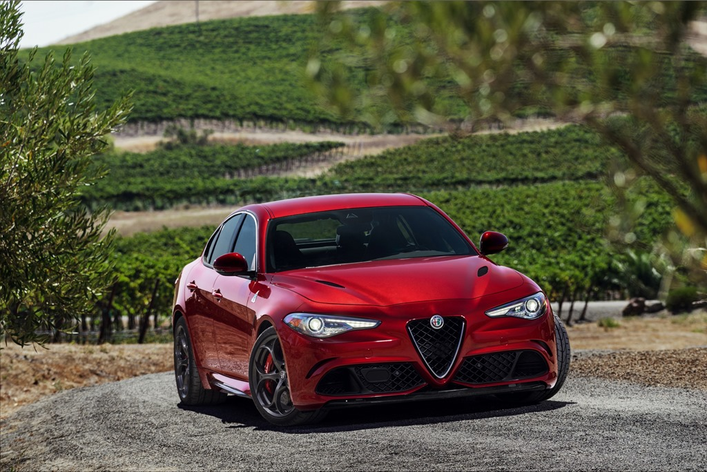 ALFA ROMEO GIULIA QUADRIFOGLIO WINS THREE AWARDS
