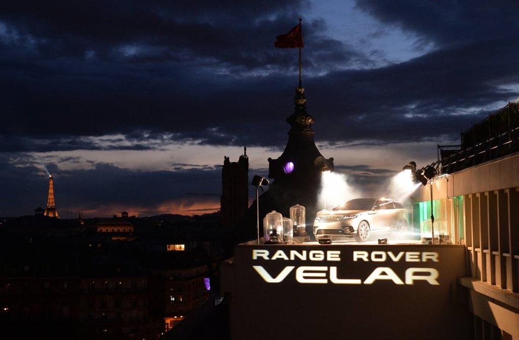 range rover velar debuts on paris rooftop gaycarboys com. Black Bedroom Furniture Sets. Home Design Ideas
