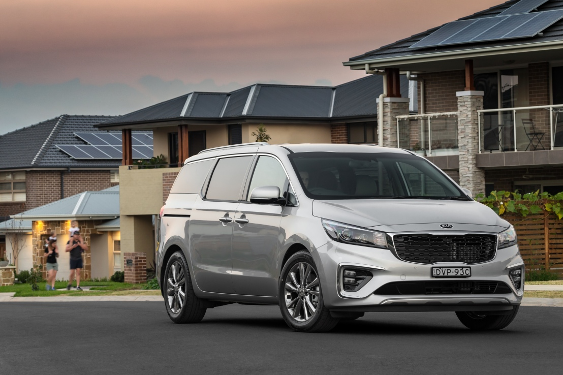 2018 Kia Carnival Midlife Update Launch VIDEOReview