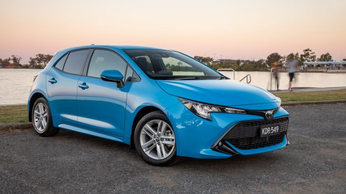 I Drive a 2019 Toyota Corolla Hatch videoreview
